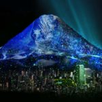 都市に出現する巨大富士山のプロジェクションマッピング「aeru」