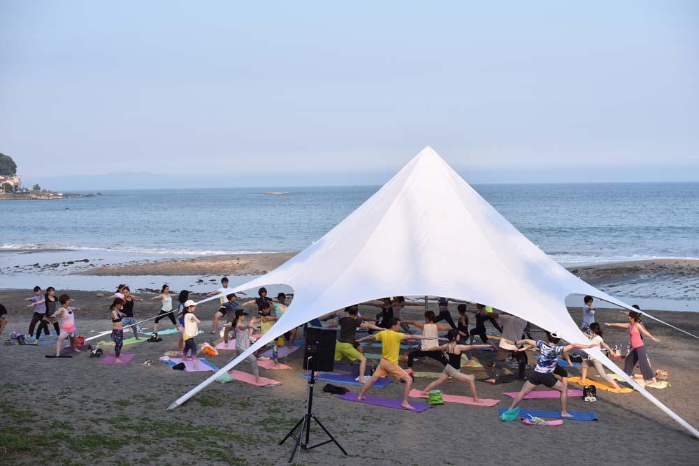 toomilog-BeachYoga_Event_matumotorio_2018_003