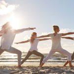 朝の逗子海岸でビーチヨガを「Yoga Trip -Beach session-」