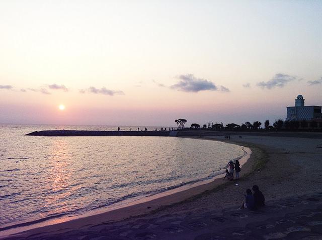 toomilog-sunsetbeach2