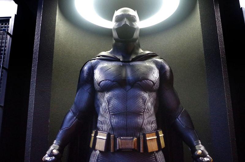 toomilog-Batman _100_HotToys_2016_003