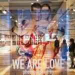 レスリー・キーの写真展「WE ARE LOVE」へ
