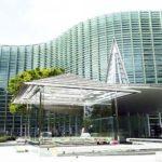 国立新美術館で公開された吉岡徳仁のガラスの茶室を見てきた
